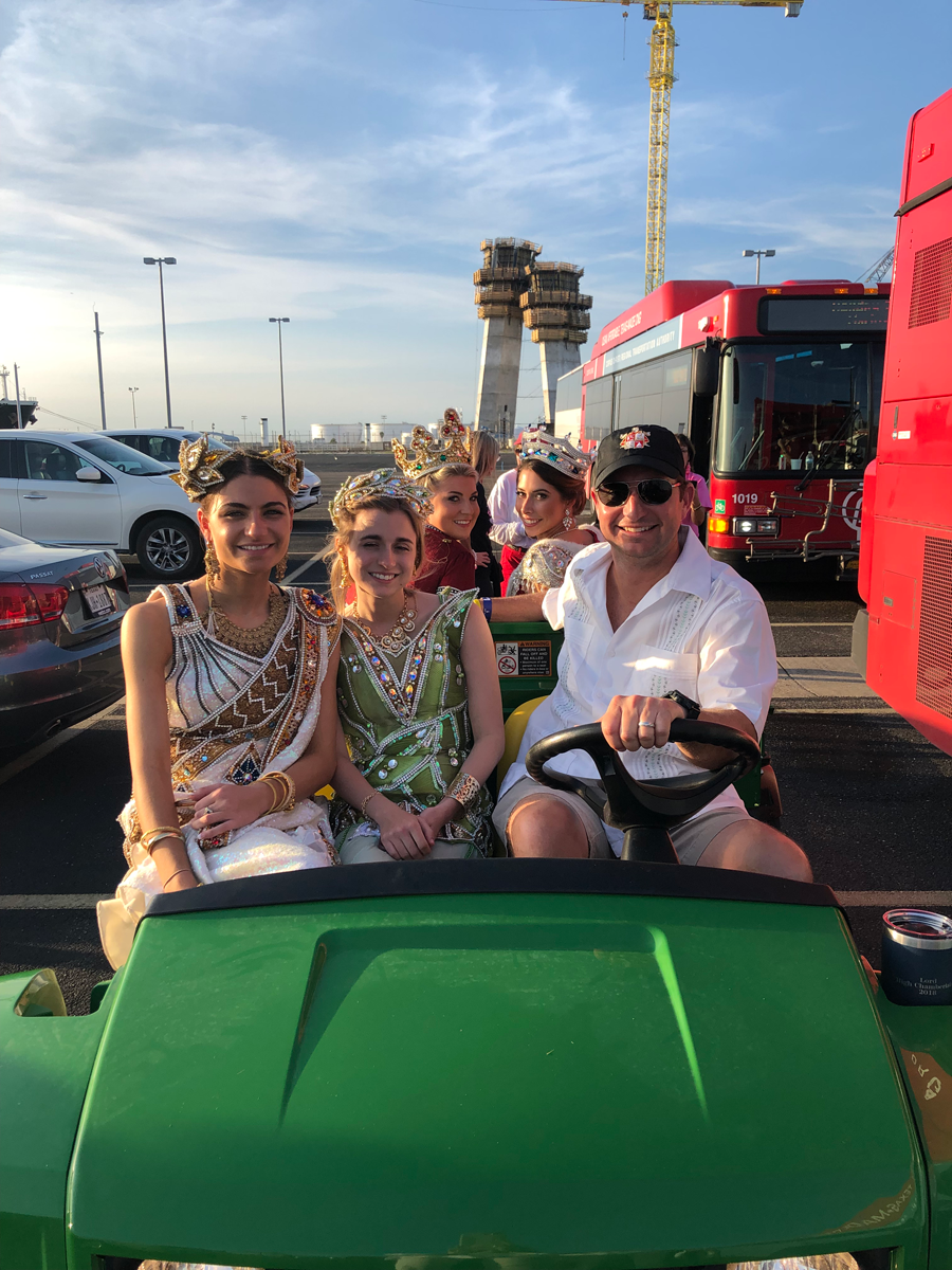 Duchesses on the front of a club car
