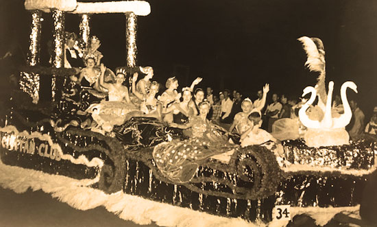 Members of the 1954 Royal Court on the first Las Doñas float